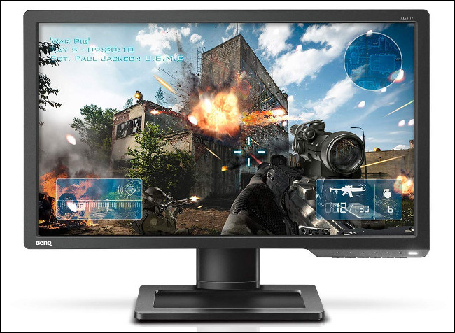 Um monitor BenQ XL2411P com painel TN.