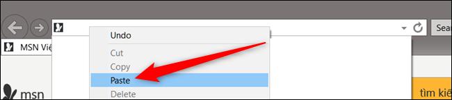 Abra o Explorer ou Safari, clique com o botão direito na barra de endereço, clique em Colar e pressione Enter