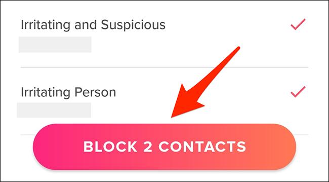 """Toque em """"Bloquear contatos"""" no Tinder."""