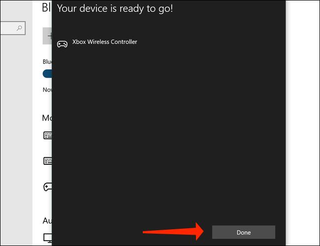 Clique em Concluído para terminar de emparelhar o Xbox Wireless Controller com o seu PC no Windows 10