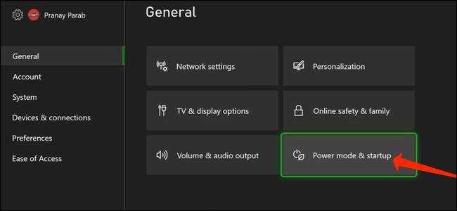 """Para acessar a opção de desligamento completo, selecione """"Modo de energia e inicialização"""" na seção Geral das configurações do Xbox."""