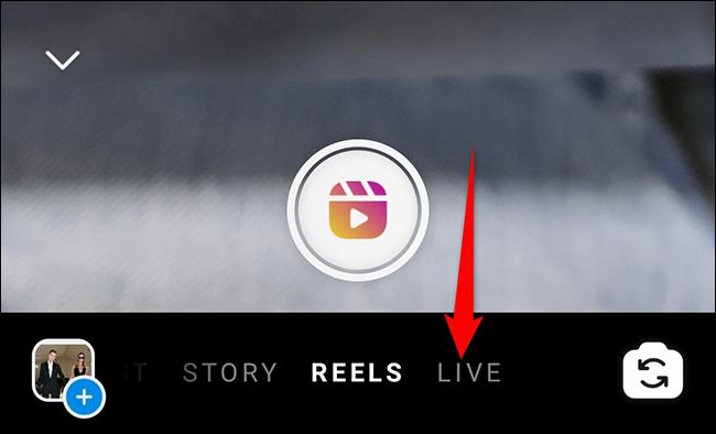 """Toque em """"Ao vivo"""" na tela """"Sua história"""" no Instagram."""