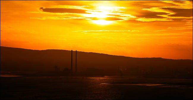 poolbeg towers ao pôr do sol